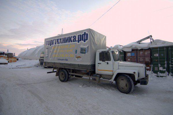 Брендирование тента грузового автомобиля